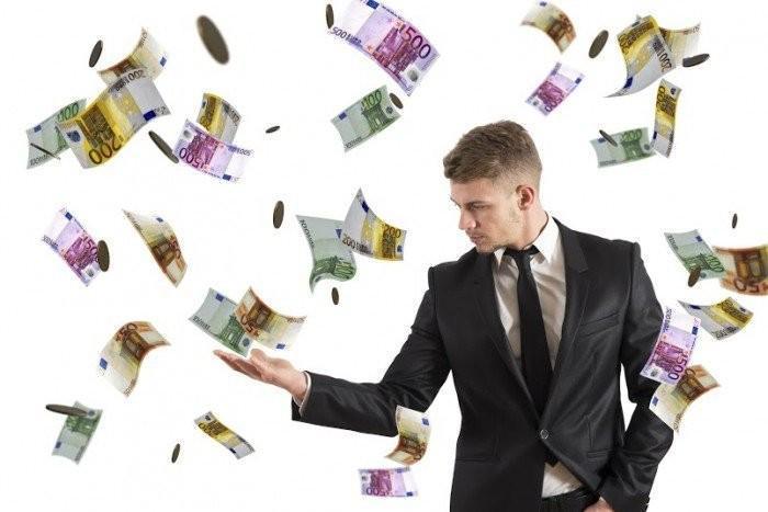 К кому и почему приходят деньги?